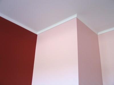 Detail přechodů při malování pokoje, zdroj: shutterstock.com