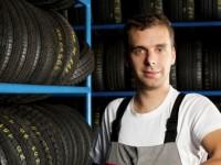 Uskladnění pneumatik v pneuservise nabízí mnoho firem v Praze, zdroj: shutterstock.com