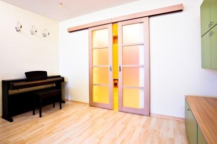Posuvné dveře na stěnu, zdroj: shutterstock.com