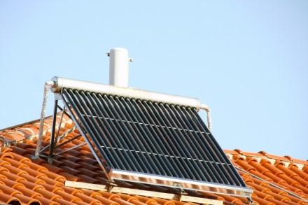 Solární kolektory - celoroční, zdroj: shutterstock.com
