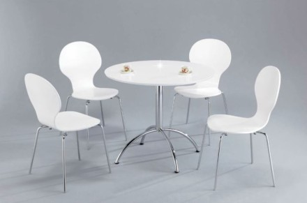 Stohovatelné židle, zdroj: nabytokakuchyne.sk
